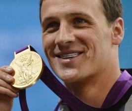 Střípky: Olympijský plavec v 90210 či návrat v Gossip Girl