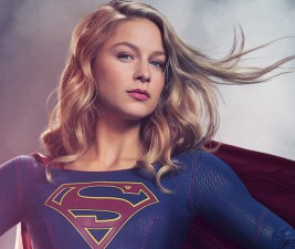 Den v seriálech: Scrubs, Supergirl, premiéry a trailery