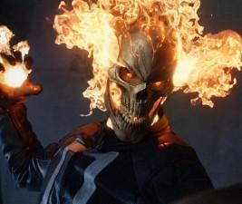 Den v seriálech: Ghost Rider, Suits, TBBT a další