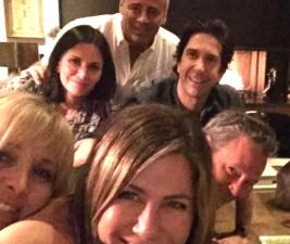 Den v seriálech: Miranda, Walker, Friends a další
