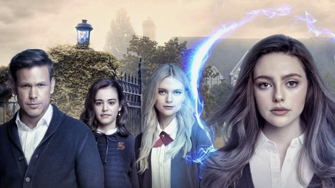 Legacies: Narážky na The Vampire Diaries a The Originals ve druhé sérii