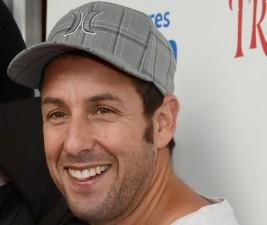 Adam Sandler má pojistit úspěch Brooklyn Nine-Nine