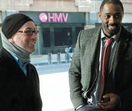BBC One objednává apokalyptické drama od tvůrce Luthera