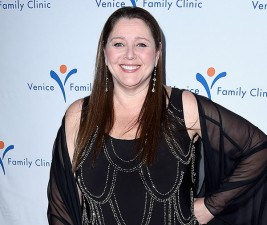 Do Major Crimes byla pozvána Camryn Manheim