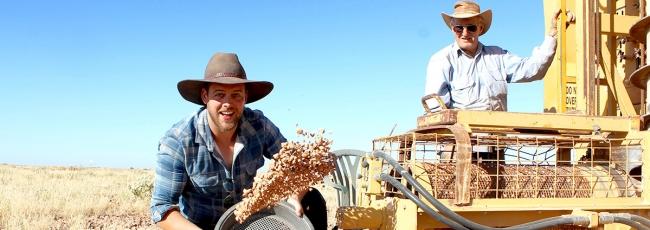 Outback Opal Hunters (Outback Opal Hunters)