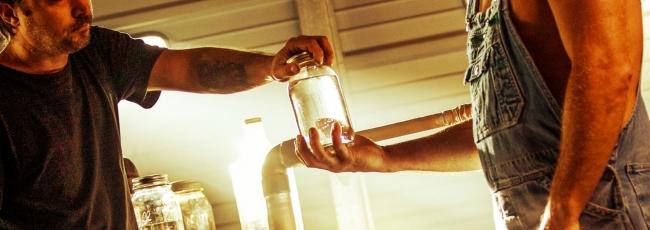 Výrobci načerno páleného alkoholu: Obchod s whisky (Moonshiners: Whiskey Business) — 1. série