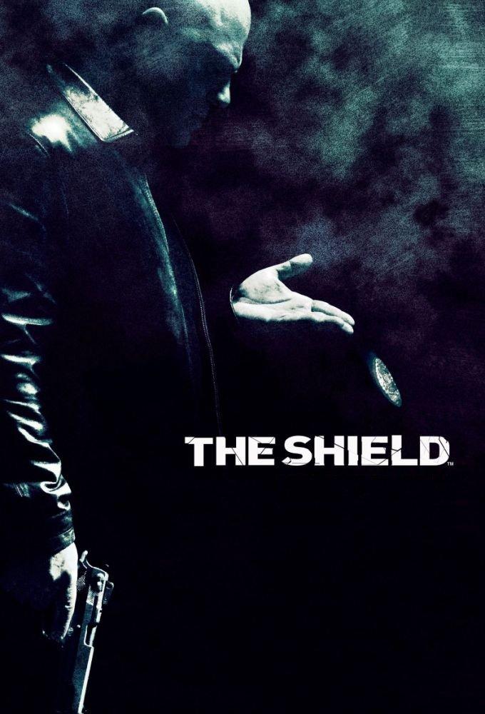 S lupou do historie: The Shield