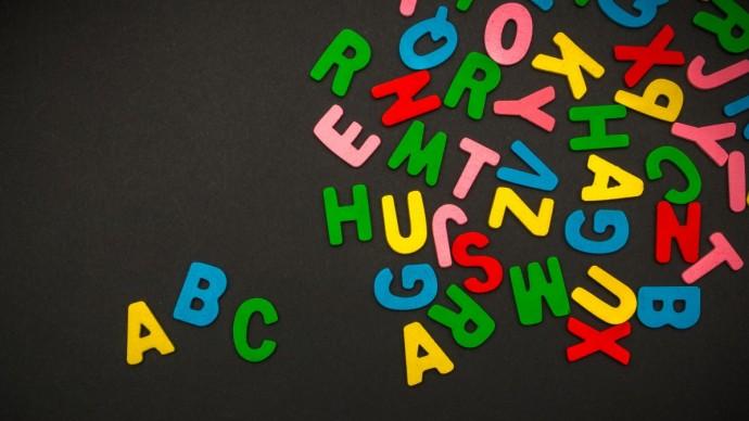 Seriály podle abecedy