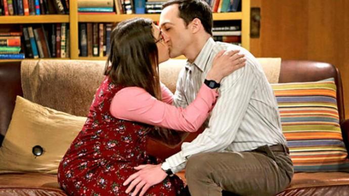 Pamatuješ si romantické vztahy z Big Bang Theory?