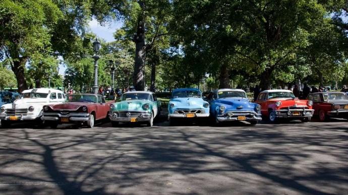 Poznáte seriál podle fotky kultovního automobilu?